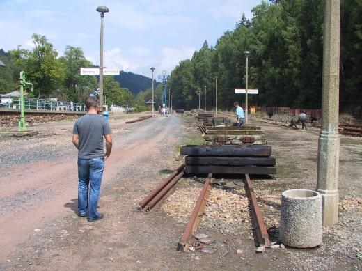 Die Bahnsteige in Kipsdorf (13.08.2011)