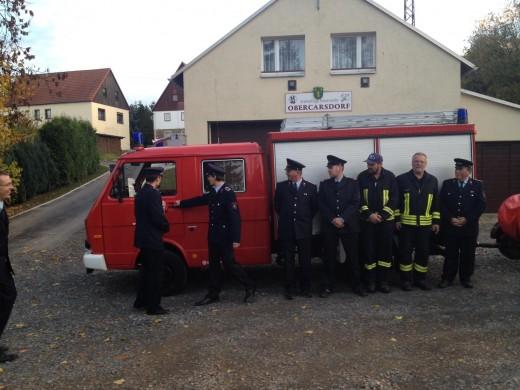 Übergabe eines Feuerwehrfahrzeuges vom Typ TSF/W aus dem Bestand der Feuerwehr Dippoldiswalde an die Ortsfeuerwehr Obercarsdorf