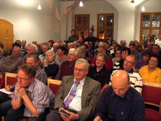 94 Gäste kamen zur Stadtratssitzung am 10.11.2010