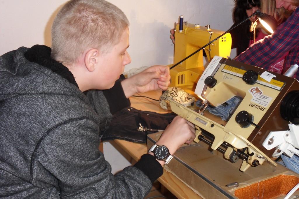 Kreativität und Handwerk beim Upcycling-Workshop