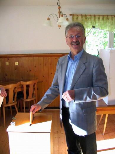 Bereits kurz nach 8.00 Uhr war Ralf Kerndt im Wahllokal Lindehof Ulberndorf wählen.