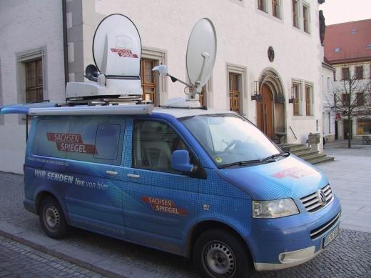 Übertrageungswagen (Sachsenspiegel) vor dem Rathaus