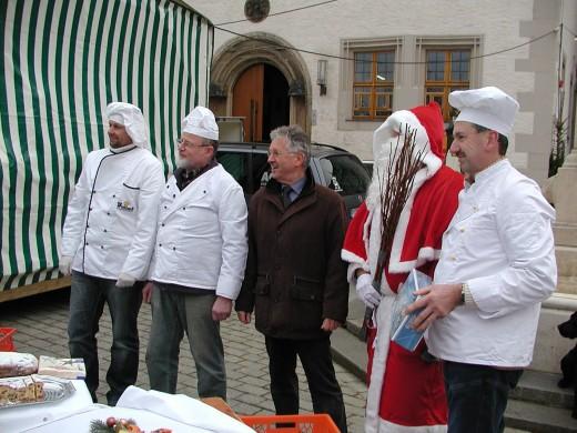 Bei der Eröffnug des Weihnachtsmarktes 2011 (Foto: Harald Weber)